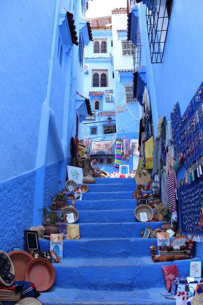 Escadaria em Chefchaouen, Marrocos