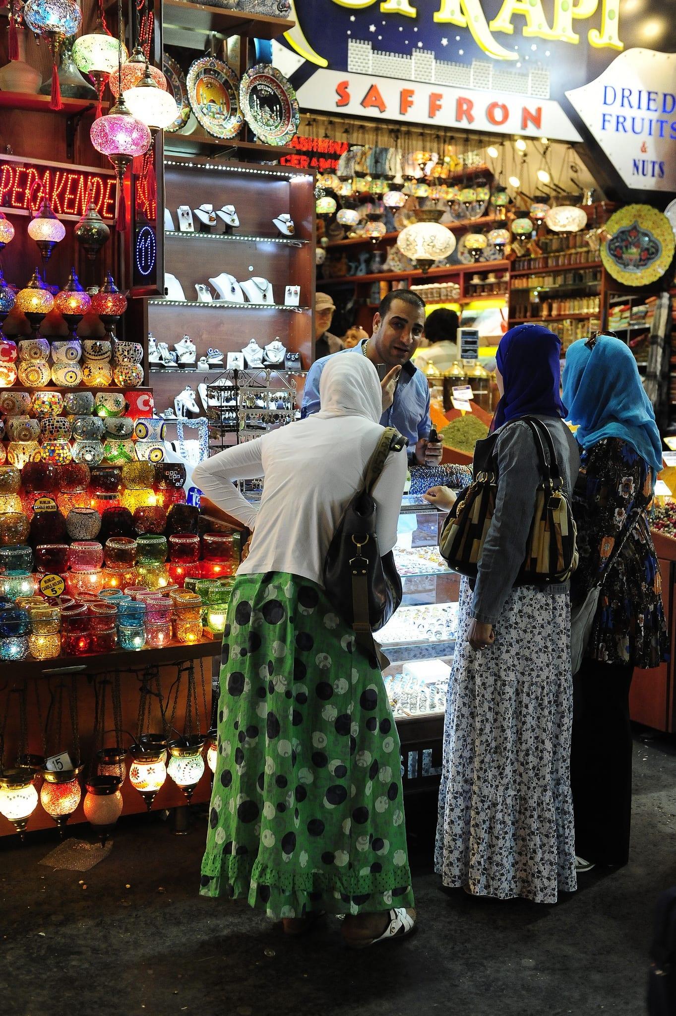 Na Turquia e no Marrocos, ande sempre em grupo e, preferencialmente, em companhia masculina