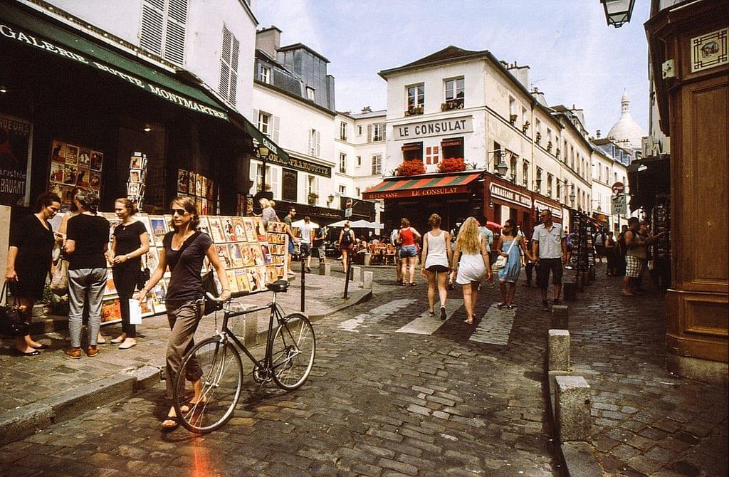 Cuidado com os vendedores ambulantes de Montmarte
