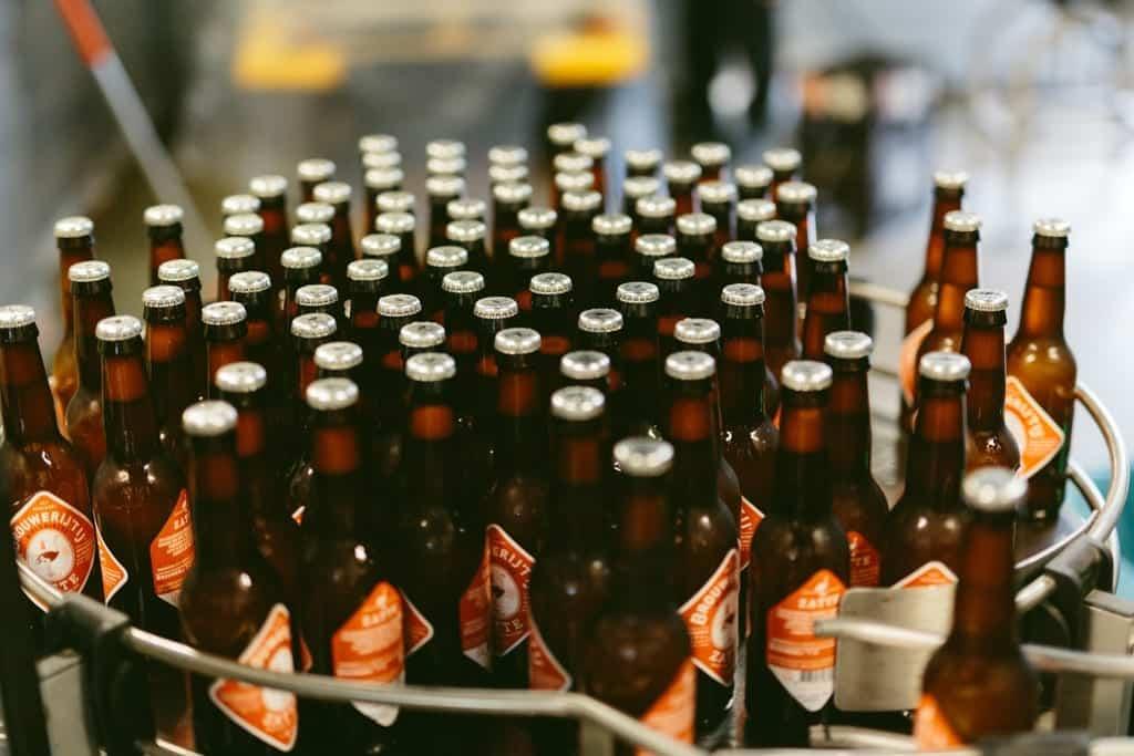 Que tal visitar uma fábrica de cervejas e provar algumas de graça em Amsterdã