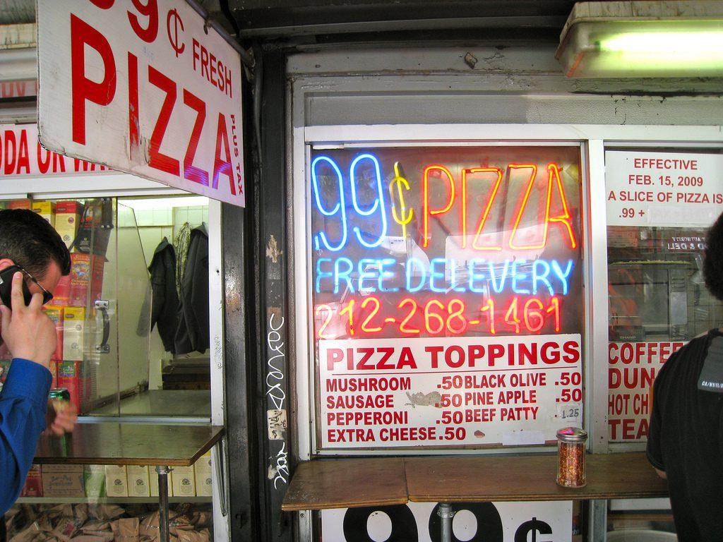 99¢ Fresh Pizza, com várias filiais espalhadas por Nova York