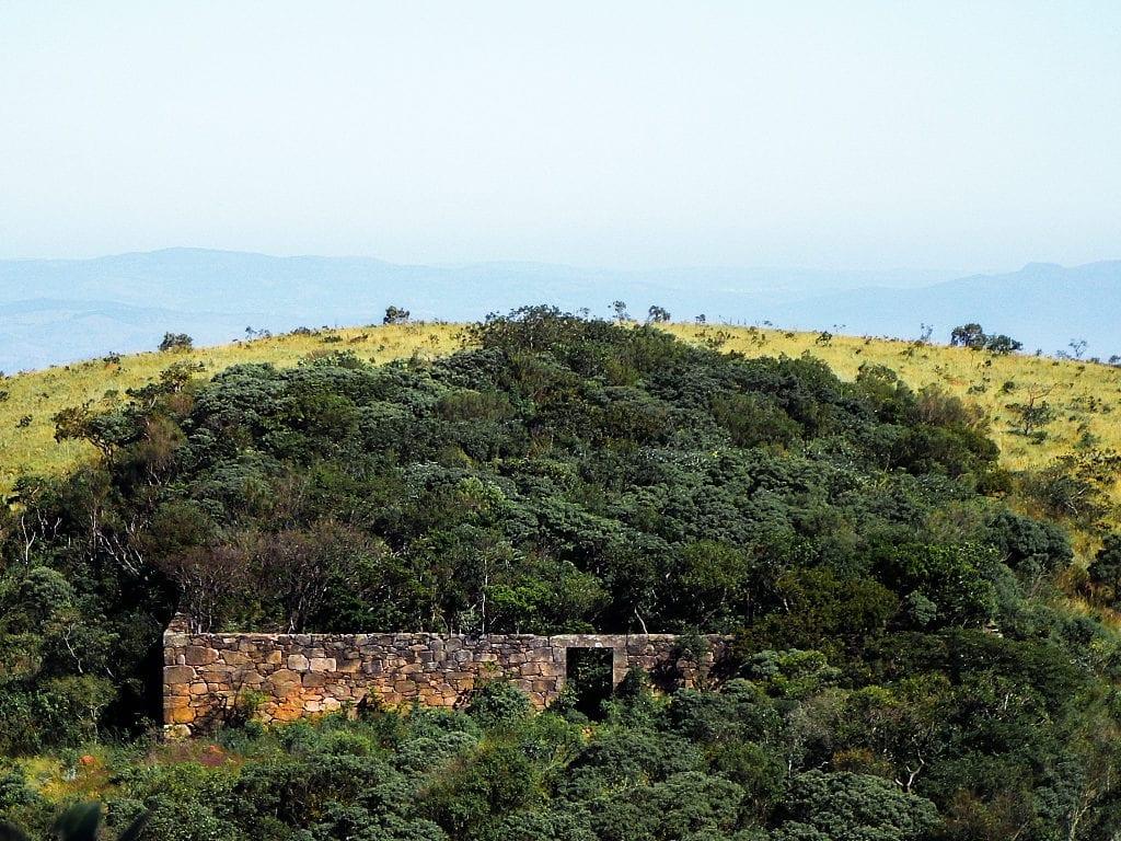 Caminhada leve leva ao forte de Brumadinho, Minas Gerais