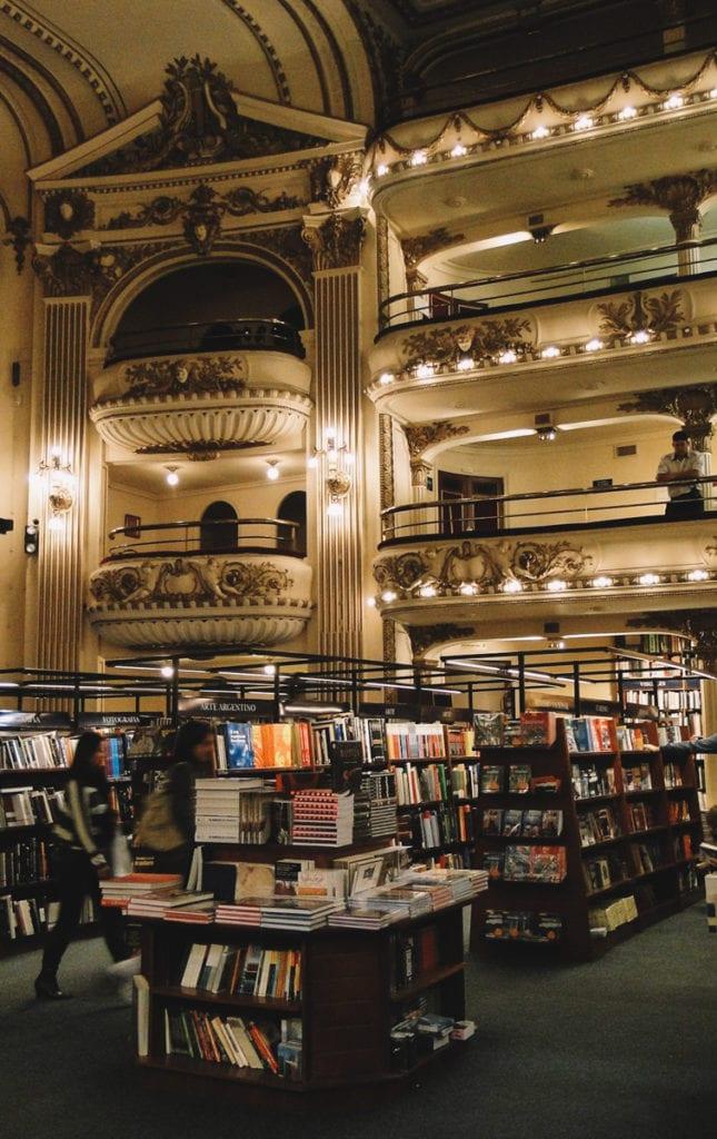 Livraria El Ateneo, onde antes funcionava um teatro em Buenos Aires