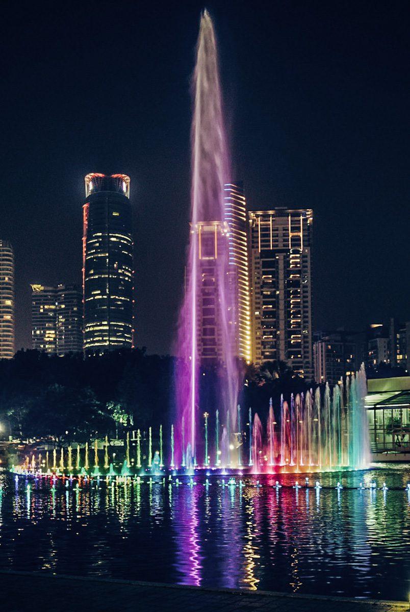 KLCC Fountain Show. Fontes dançantes de Kuala Lumpur